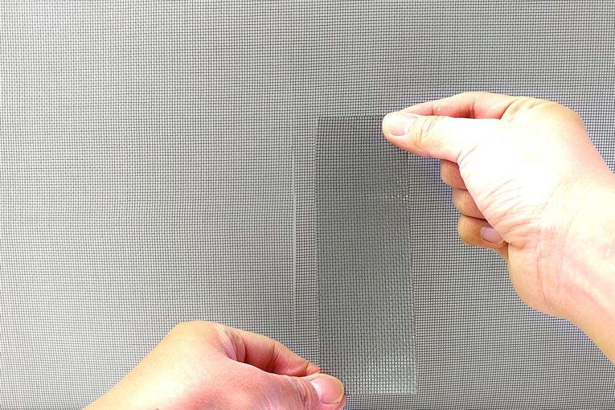 Arreglando una tela mosquitera